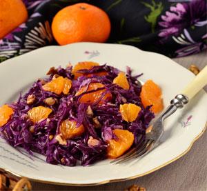 Salát s červeným zelím a mandarinkou
