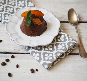 Domácí čokoládová zmrzlina s marinovaným pomerančem a kávou