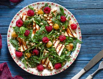 Rocket Salad with grilled Haloumi and Raspberries