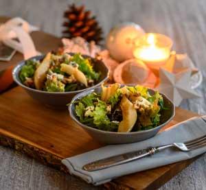 Σαλάτα με καραμελωμένα αχλάδια και μπλε τυρί