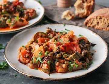 Briam  – pečená zelenina s balzamikovým octem a medem