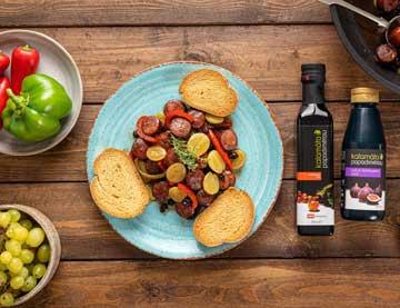 Λουκάνικο κρασάτο με ρώγες σταφυλιού και βαλσαμικό